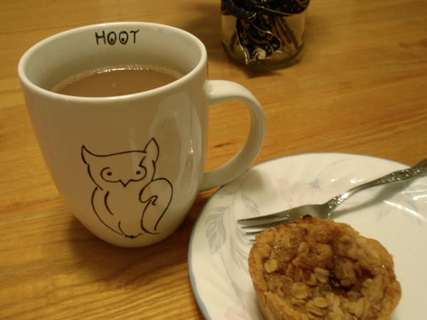 owl mug and pie